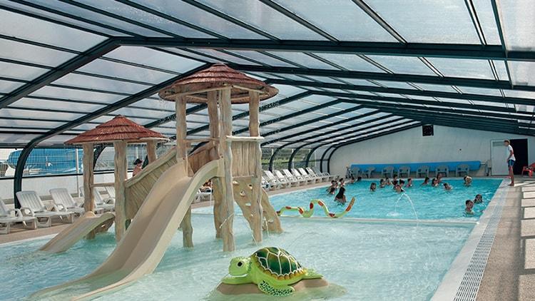 abri de piscine camping europa vend e 85 abri de. Black Bedroom Furniture Sets. Home Design Ideas
