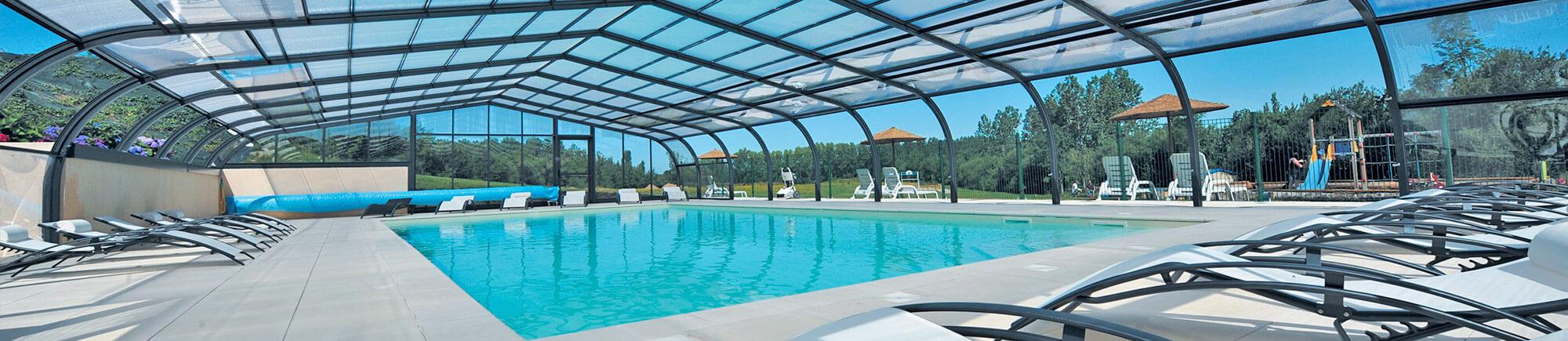 7 bonnes raisons de choisir un abri de piscine. Black Bedroom Furniture Sets. Home Design Ideas